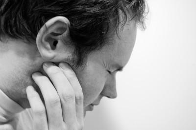 겨울철 심해지는 턱관절 장애- 원인과 예방