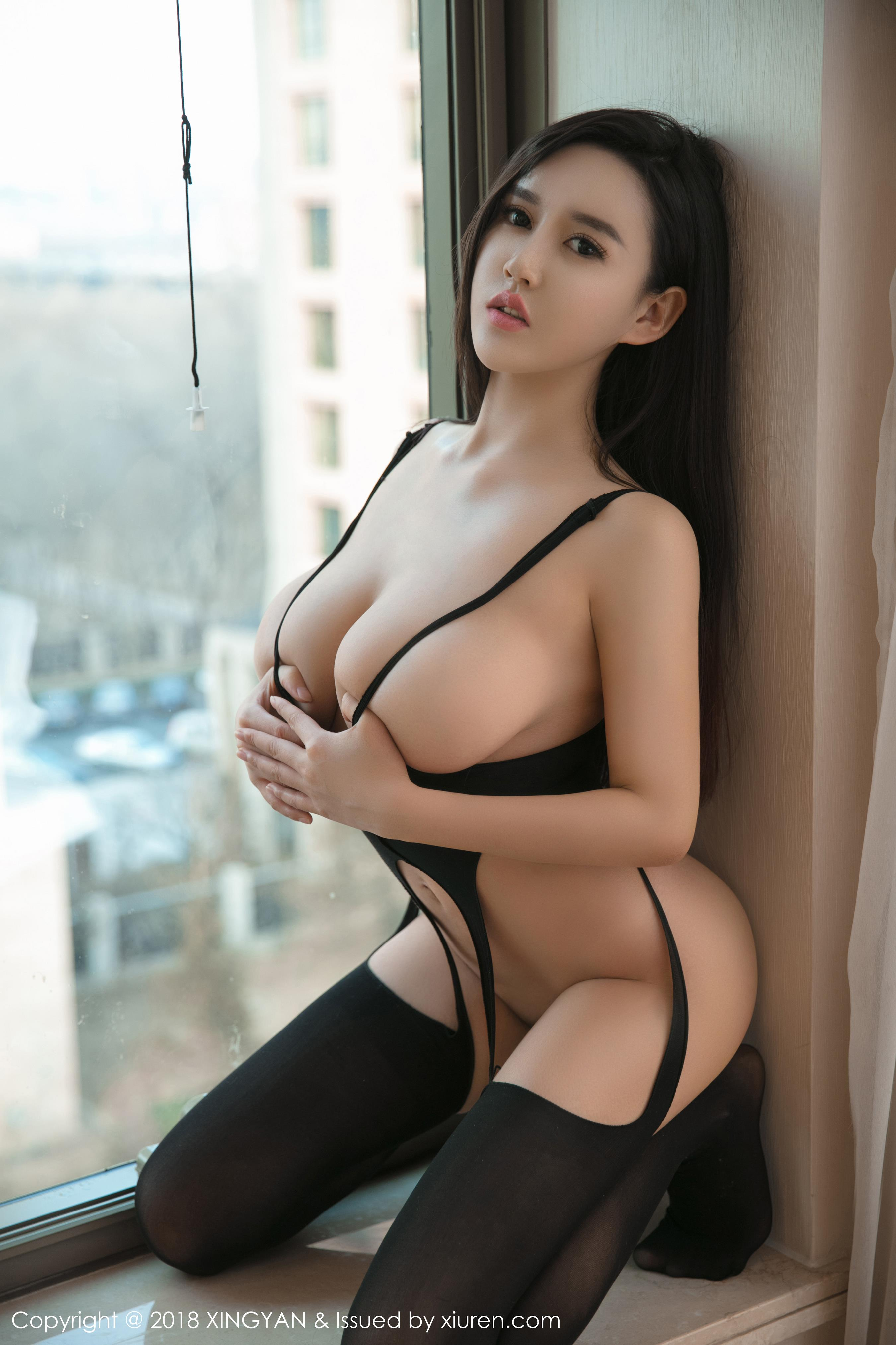 sexy lingerie wearing Chinese glamour